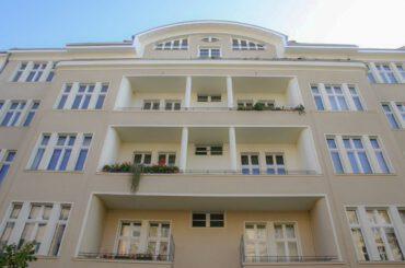 J19 | Dachgeschossausbau und Sanierung von Wohnungen | 10717 Berlin