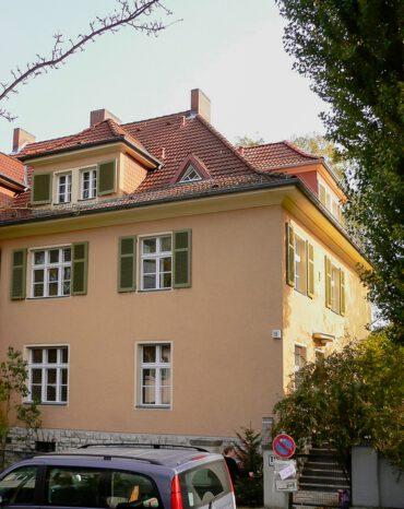 H18   Umbau, Instandsetzung und Modernisierung einer unter Denkmalschutz stehenden Doppelhaushälfte   14195 Berlin